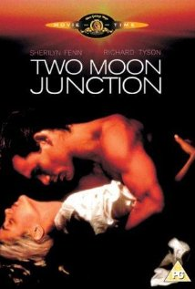 subtitrare Two Moon Junction (1988)